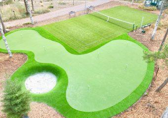Golfviheriö ja tenniskenttä